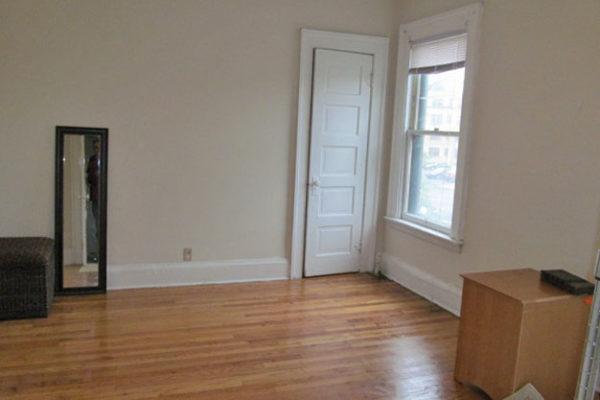 514 Unit 6 Living Room